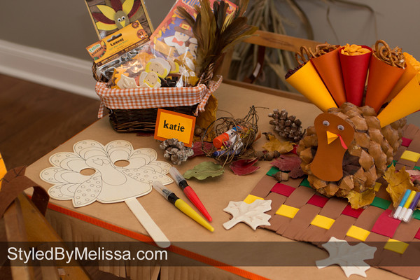 Thanksgiving Kids Table - Making Thanksgiving Crafts