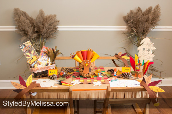 A Thanksgiving Kids Table